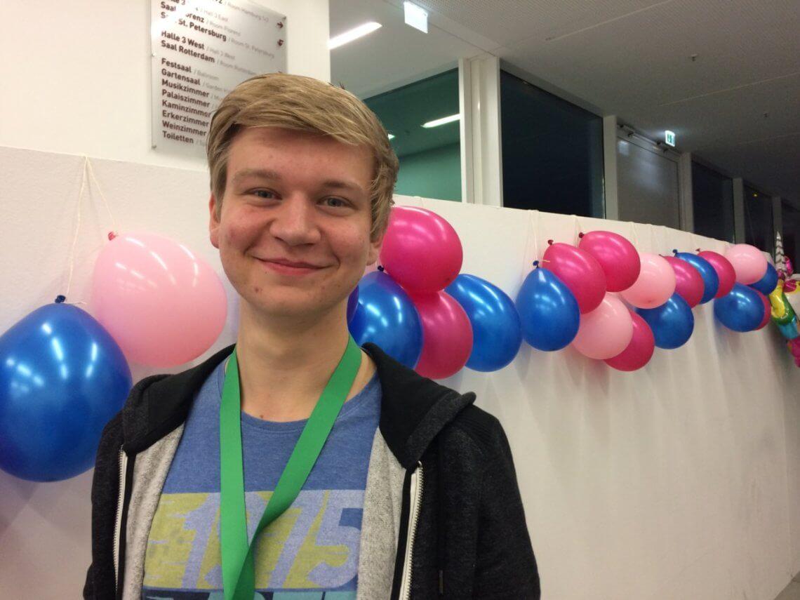 Max Esser, 18 Jahre alt, wohnt in Köln und hat dieses Jahr Abitur gemacht.