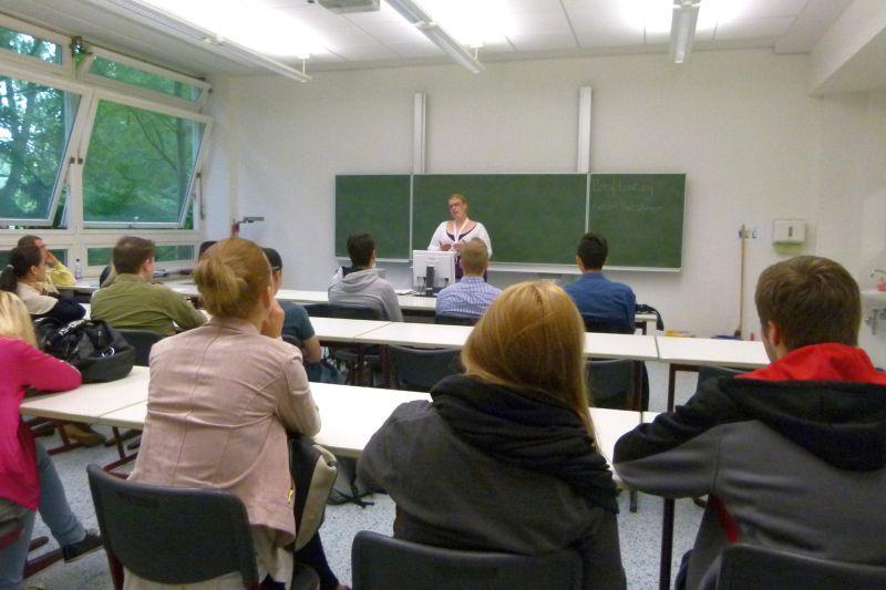 studienvorbereitung_isabel_roos_berufskolleg_neuss_02-jpg