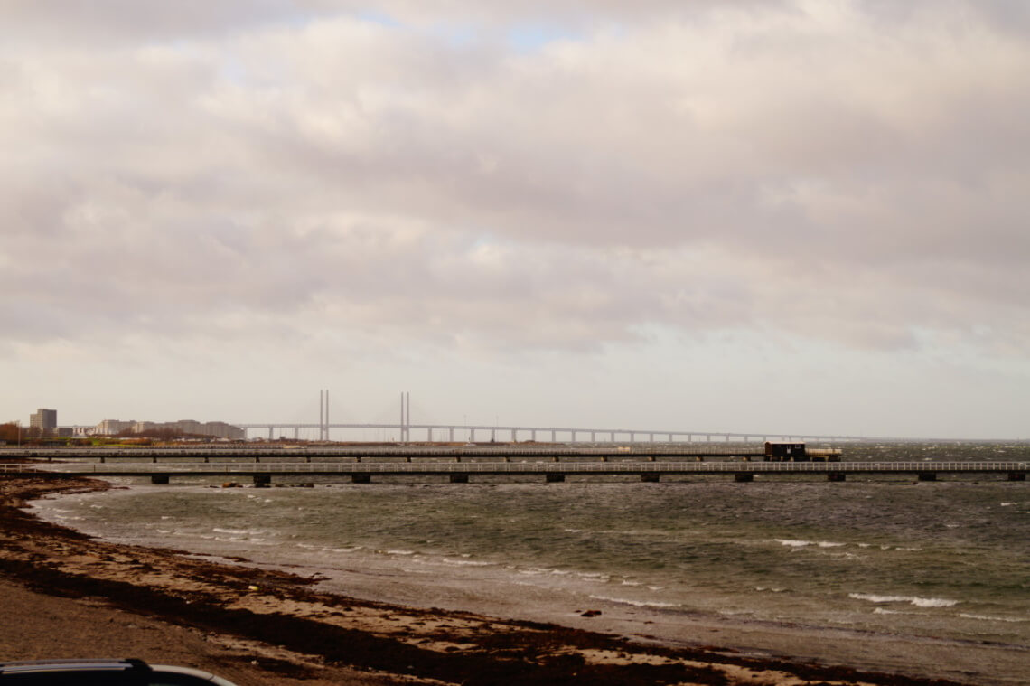 """Die Öresundbruecke-Schwedens Verbindung nach Dänemark- Von dort wurden bis vor kurzem viele Flüchtlinge gleich nach Schweden """"weitergeschoben"""""""