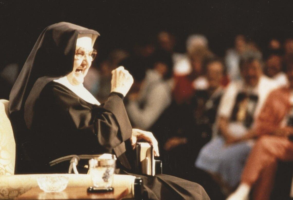 Mutter Angelicas Live-Shows waren legendär. In ihrer unverwechselbaren humorvollen und bodenständigen Art lockte sie regelmäßig Millionen Zuschauer auf der ganzen Welt an den Fernseher (Foto: EWTN-TV).