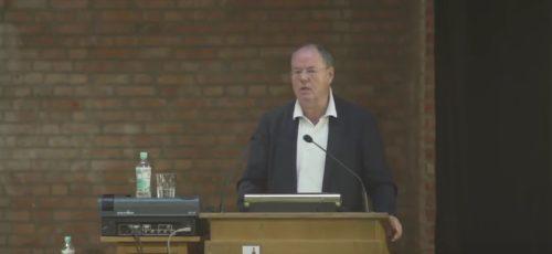 """Peer Steinbrück: """"Junge Leute müssen sich um die Zukunft Europas kümmern"""""""